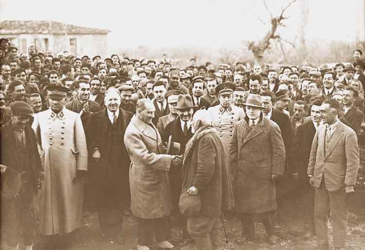 Prof. Sina AKŞİN Yazdı: Atatürk Döneminde Halkçılık Ne Anlama Geliyordu?
