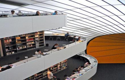 Filoloji Fakültesi Kütüphanesi - Berlin