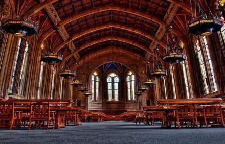 Seattle Washington Üniversitesi - Suzzallo Kütüphanesi